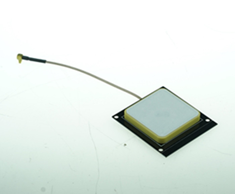 Small UHF Small RFID Antenna 2dbi Ceramic for RFID Reader System